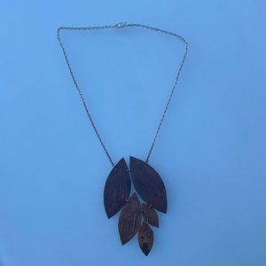 925 Fna Italy stamp is higher end silver jewelry necklace with cork leaves